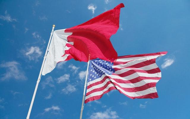 bahrain and usa flag